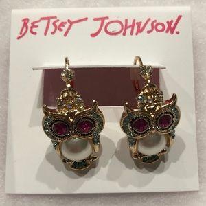 NWT•Betsey Johnson Owl dangle earrings
